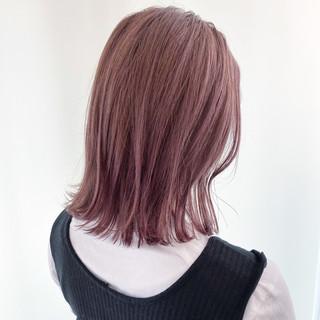 ピンクラベンダー ピンク 極細ハイライト ミディアム ヘアスタイルや髪型の写真・画像