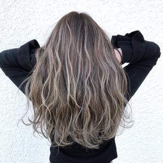 ホワイトブリーチ フェミニン コントラストハイライト ブリーチ ヘアスタイルや髪型の写真・画像