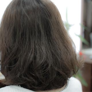 ベージュ ナチュラル アッシュ グレージュ ヘアスタイルや髪型の写真・画像