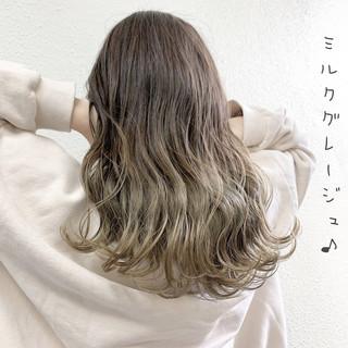 フェミニン ハイライト バレイヤージュ ロング ヘアスタイルや髪型の写真・画像