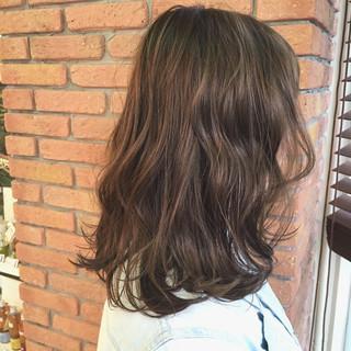 ゆるふわ ストリート ブルージュ アッシュグレー ヘアスタイルや髪型の写真・画像