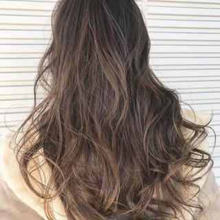 ハイライト エレガント 外国人風 バレイヤージュ ヘアスタイルや髪型の写真・画像