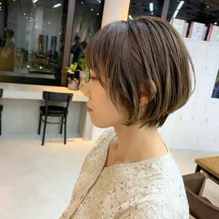 ショートヘア グレージュ ショート ショートボブ ヘアスタイルや髪型の写真・画像