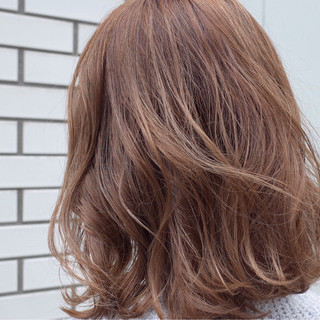 外ハネ ロブ ハイライト ボブ ヘアスタイルや髪型の写真・画像