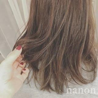 フェミニン 冬 ミディアム デート ヘアスタイルや髪型の写真・画像