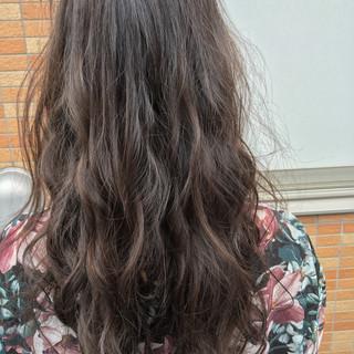 アンニュイ ウェーブ フェミニン 大人女子 ヘアスタイルや髪型の写真・画像