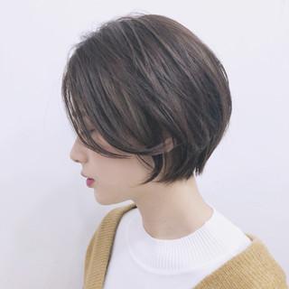 ショート アウトドア アンニュイほつれヘア エレガント ヘアスタイルや髪型の写真・画像