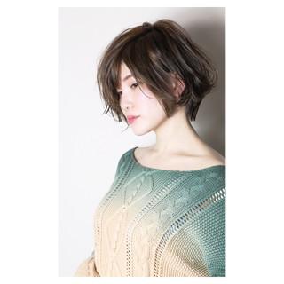 ショート かっこいい 大人女子 ナチュラル ヘアスタイルや髪型の写真・画像