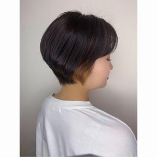 アクセサリーカラー ナチュラル インナーカラー 小顔ショート ヘアスタイルや髪型の写真・画像