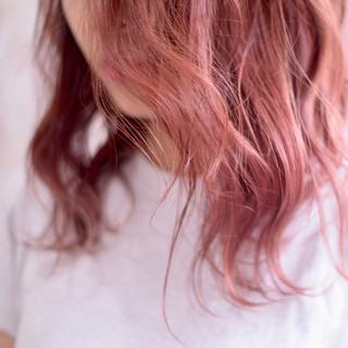 ピンクベージュ グラデーションカラー ピンクラベンダー ラズベリーピンク ヘアスタイルや髪型の写真・画像 | ひまらやさん / white.梅田