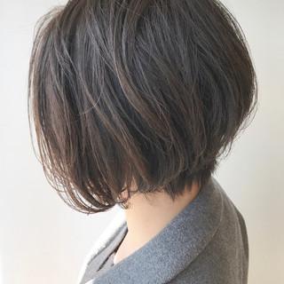 春 ショート 小顔 ショートボブ ヘアスタイルや髪型の写真・画像 ヘアスタイルや髪型の写真・画像
