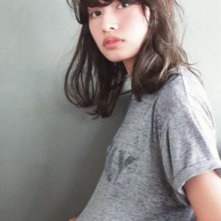 暗髪 パーマ ブラウン ミディアム ヘアスタイルや髪型の写真・画像