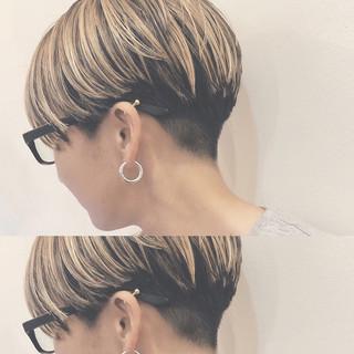 バレイヤージュ ハイライト ショート ナチュラル ヘアスタイルや髪型の写真・画像 ヘアスタイルや髪型の写真・画像