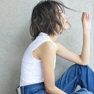 グレージュ 似合わせ 透明感 ハイライト ヘアスタイルや髪型の写真・画像