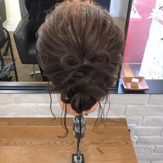 ゆるふわ ナチュラル アンニュイ 結婚式 ヘアスタイルや髪型の写真・画像 ヘアスタイルや髪型の写真・画像