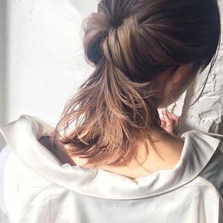インナーカラー ナチュラル ミディアム ヘアアレンジ ヘアスタイルや髪型の写真・画像