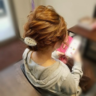 フェミニン アップスタイル ヘアアレンジ 編み込み ヘアスタイルや髪型の写真・画像 ヘアスタイルや髪型の写真・画像