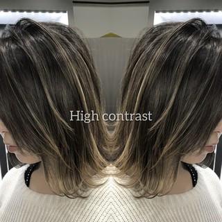 グラデーションカラー ダークグレー ラベンダーピンク ボブ ヘアスタイルや髪型の写真・画像