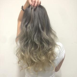 グラデーションカラー 艶髪 渋谷系 ハイトーン ヘアスタイルや髪型の写真・画像 ヘアスタイルや髪型の写真・画像