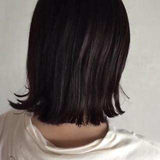 切りっぱなし ミディアム 外ハネ オフィス ヘアスタイルや髪型の写真・画像