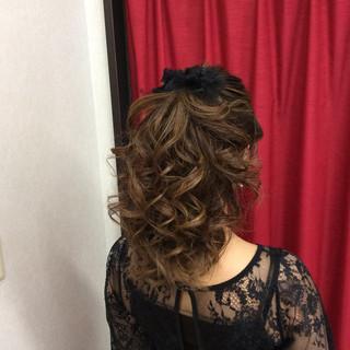 ナチュラル 結婚式 セミロング 結婚式髪型 ヘアスタイルや髪型の写真・画像