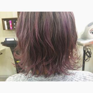 ダブルカラー レイヤーカット ハイライト ピンク ヘアスタイルや髪型の写真・画像