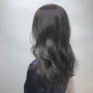 グレージュ ミディアム 秋 バレイヤージュ ヘアスタイルや髪型の写真・画像