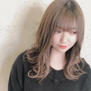 オリーブカラー エレガント オリーブブラウン オリーブアッシュ ヘアスタイルや髪型の写真・画像