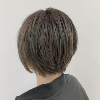グレージュ 大人ショート ダブルカラー ショート ヘアスタイルや髪型の写真・画像