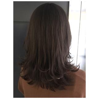 くすみカラー ラベンダーアッシュ アッシュグレージュ ナチュラル ヘアスタイルや髪型の写真・画像