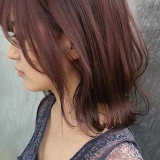 ミディアム フェミニン 大人女子 イルミナカラー ヘアスタイルや髪型の写真・画像