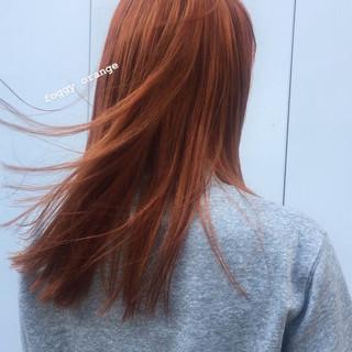 ロング オレンジ 透明感カラー オレンジベージュ ヘアスタイルや髪型の写真・画像