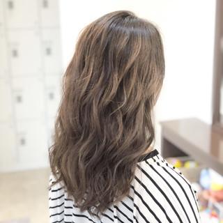 外国人風 ヘアアレンジ セミロング ブリーチ ヘアスタイルや髪型の写真・画像 ヘアスタイルや髪型の写真・画像