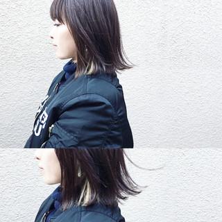 インナーカラー 色気 ナチュラル アッシュ ヘアスタイルや髪型の写真・画像