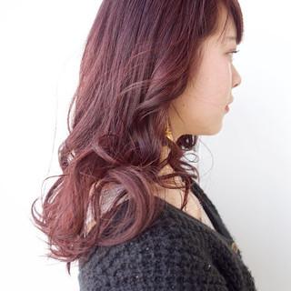 ピンク ピンクアッシュ レッド ベージュ ヘアスタイルや髪型の写真・画像