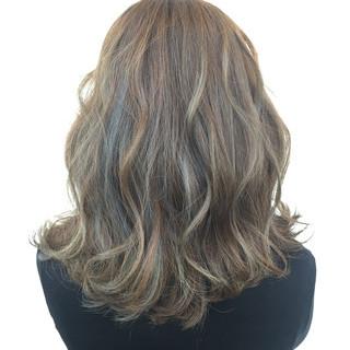 外国人風 ハイライト ブルージュ アッシュ ヘアスタイルや髪型の写真・画像