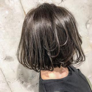 グレージュ ゆるふわ 暗髪 ナチュラル ヘアスタイルや髪型の写真・画像