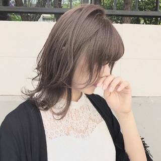 アッシュ 秋 アンニュイ ウェーブ ヘアスタイルや髪型の写真・画像