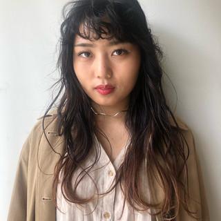 秋ブラウン 秋冬スタイル ロング ナチュラル ヘアスタイルや髪型の写真・画像