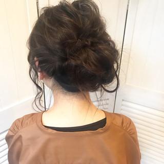 ヘアアレンジ お団子 ミディアム ルーズ ヘアスタイルや髪型の写真・画像 ヘアスタイルや髪型の写真・画像
