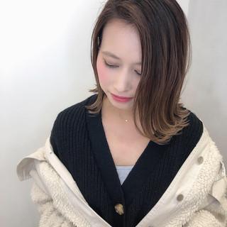 ミニボブ ミディアム インナーカラー ロブ ヘアスタイルや髪型の写真・画像