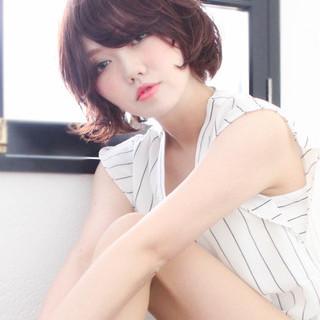 パーマ フェミニン 大人かわいい 外ハネ ヘアスタイルや髪型の写真・画像