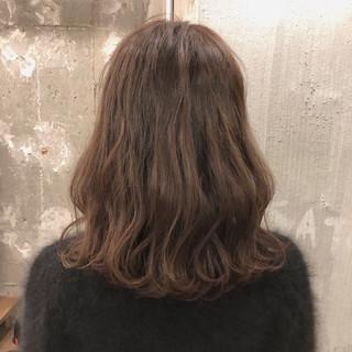 アンニュイ ミディアム ゆるふわ 謝恩会 ヘアスタイルや髪型の写真・画像