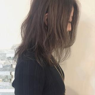 パーマ バレイヤージュ オフィス ミディアム ヘアスタイルや髪型の写真・画像