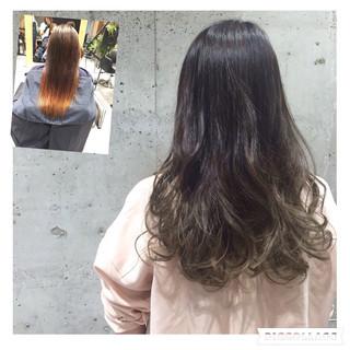 ロング アッシュ シルバー グラデーションカラー ヘアスタイルや髪型の写真・画像