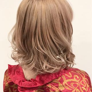 ミディアム 外国人風カラー ガーリー 金髪 ヘアスタイルや髪型の写真・画像