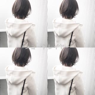 アンニュイほつれヘア ナチュラル グレージュ アッシュ ヘアスタイルや髪型の写真・画像