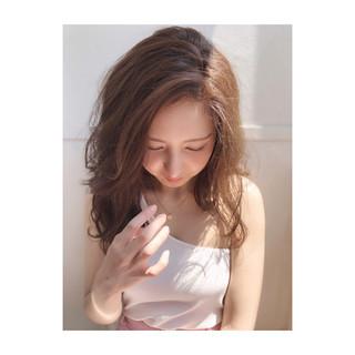 イルミナカラー ハイライト グレージュ パーマ ヘアスタイルや髪型の写真・画像