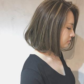 ボブ アッシュ 外国人風 センターパート ヘアスタイルや髪型の写真・画像 ヘアスタイルや髪型の写真・画像
