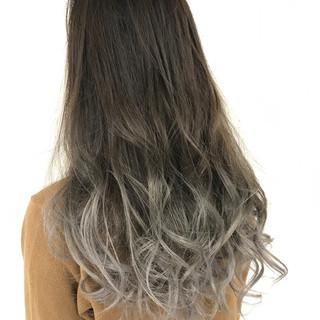 グラデーションカラー イルミナカラー エレガント グレージュ ヘアスタイルや髪型の写真・画像